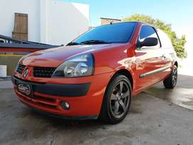 Renault Clio Expresión 1.6 16v 3ptas
