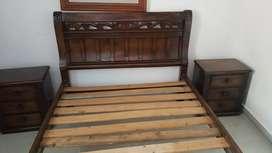 Cama  doble 1.40 en madera con dos Nocheros