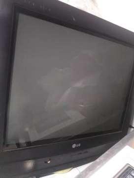 Se vende televisor barato