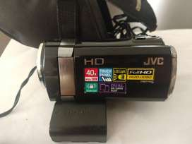 Vendo mini videocámara JVC full HD