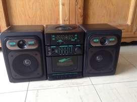 Radio casetera marca CROWN