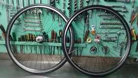 Juego ruedas doble pared con rodamientos  rodado 28 .700 .25
