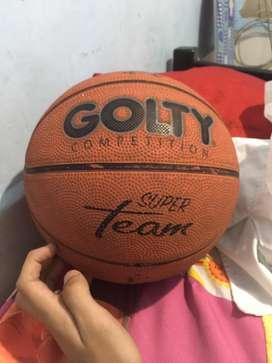 Balon de baloncesto a 30000 numero 7 unos dias de usos negociable