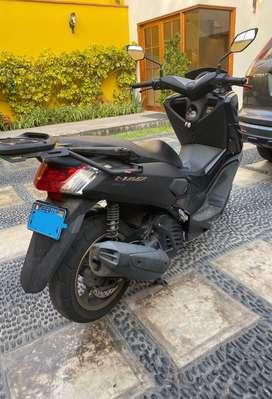 Yamaha NMax 2019 negra