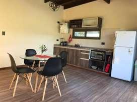 uz79 - Cabaña para 4 a 6 personas con pileta y cochera en Villa las Rosas