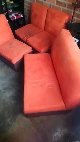 Se venden muebles de segunda para reentapizar
