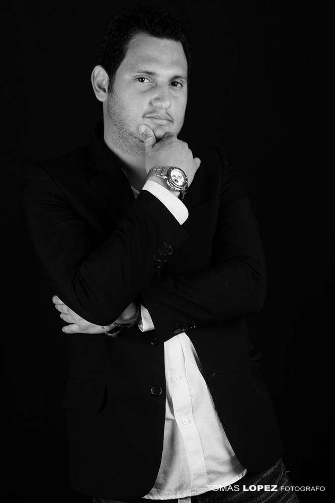 BUSCO EMPLEO diseñador gráfico, community manager , post productor audiovisual, Publicista y Coach Marketing Digital