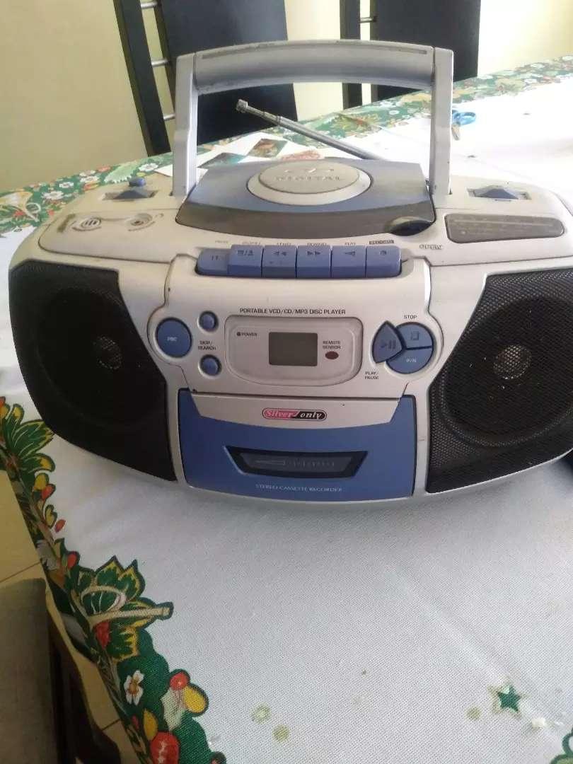 Radio grabadora con cd 0