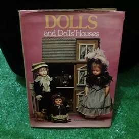 LIBRO DE MUÑECAS DOLLS AND DOLLHOUSES