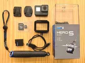 GOPRO HERO5 BLACK - USADA + ACCESORIOS
