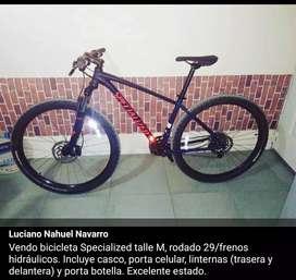 Vendo bicicleta Specialized. Talle M con accesorios.