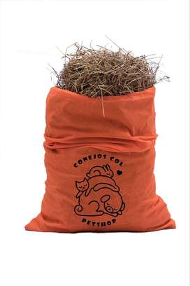 Heno de pangola para conejos y cobayas.