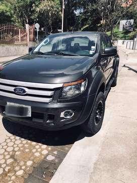 Se vende Ford Ranger XLT 2.5 full extras
