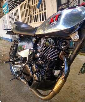 vendo hermosa Motocicleta XT 500 YAMAHA
