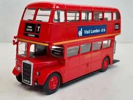 Bus de LONDRES escala 1/72 de la colección Autobuses del Mundo de EL TIEMPO perfecto estado nueevo en caja