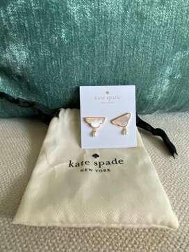 Aretes Kate Spade-Color madre perla baño de oro-Originales