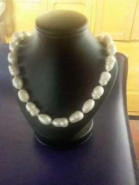 Collar perlas gruesas de cultivo