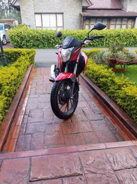 Vendo Hermosa moto Honda