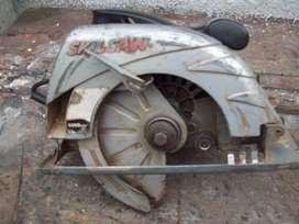 Cierra circular SKIL 5.000 rpm, 1300 w. 71/4 mm