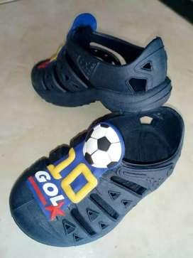 Sandalias usadas niño talla 20-21