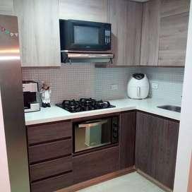 Vendemos hermoso apartamento con hermosos acábados, zona de alta valorización!!!