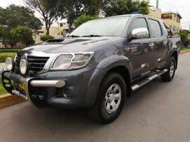 TOYOTA HILUX 2013 DIÉSEL 4x4 TURBO INTERCOOLER IMPECABLE.