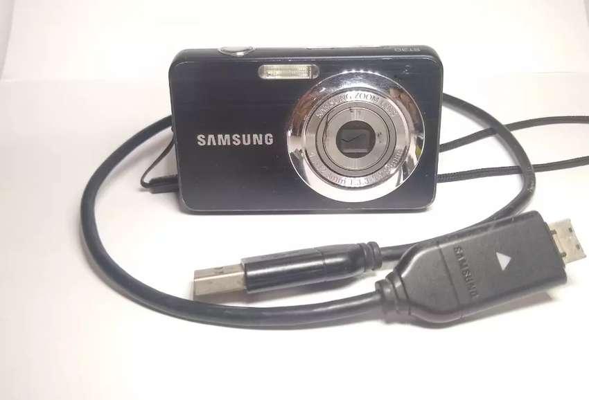 Cámara Samsung ST30 0