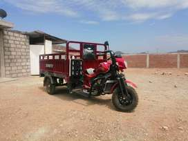 Vendo moto carga semi-nueva motor 300