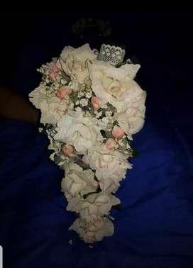 Ramo de Flores de 15 Ó Novia Coronita