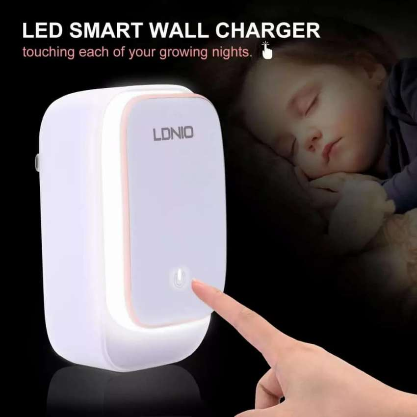 CARGADOR PARA IPHONE, ANDROID LDNIO TOUCH LAMP LED