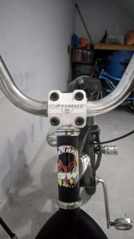 Bicicleta BMX marco Lancer 10/10.