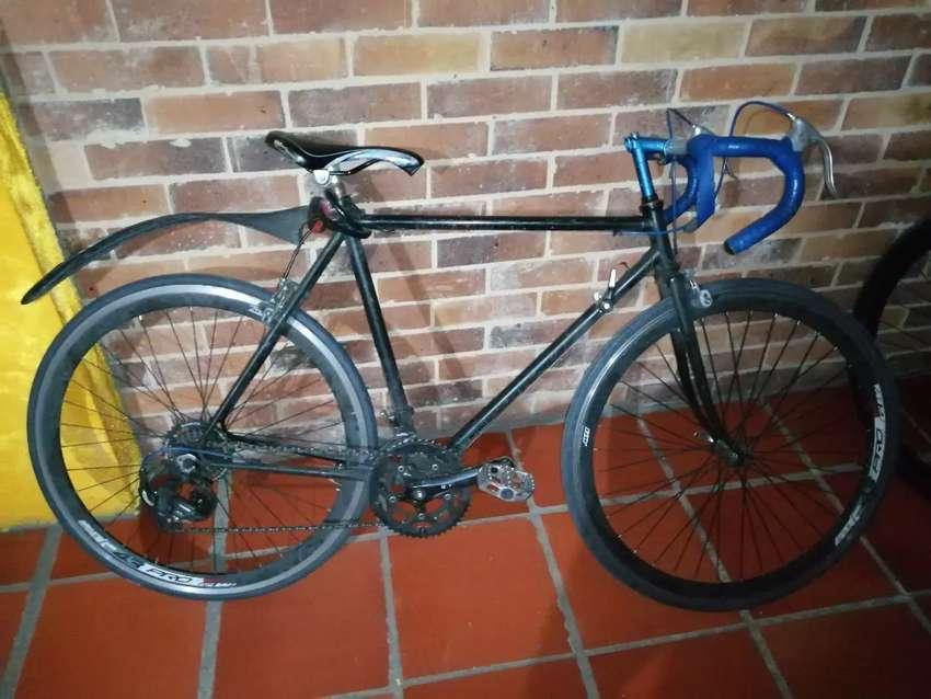 Bicicleta semicarreras 0