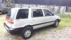 Vendo camioneta hyndai santamo  2000
