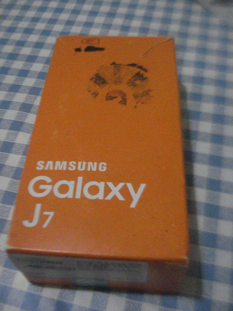Celular Samsung Galaxy Smj700m En Caja No Da Imagen!! Leer