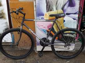 Se vende Bicicleta Montañera deportiva
