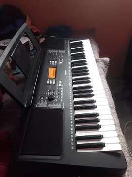 De oportunidad vendo piano YAMAHA psr E363