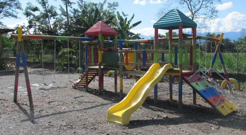 Parques infantiles en madera 0