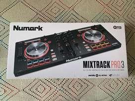 Tabla DJ Numark Mixtrack Pro 3