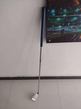 Se vende palo de golf profesional en exelentes condiciones