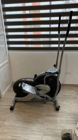 Maquina Elíptica Ultimate con medidor de pulso