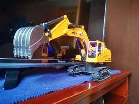 Excavadora work a control remoto