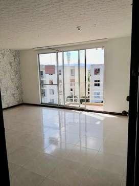 Amplio apartamento con balcón de 83 m2 con 3 habitaciones, 2 baños, mini estudio, cocina integral, parqueadero cubierto
