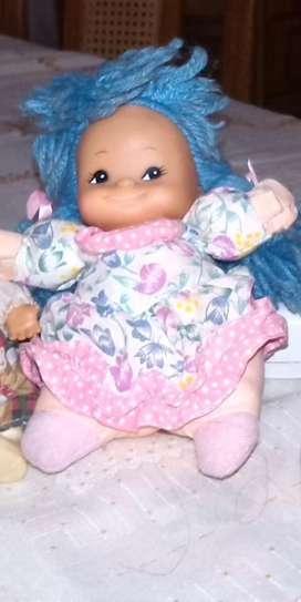 Muñeca de tela con cabeza de plàstico, 199