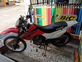 Vendo moto honda Tornado XR 250 modelo 2013