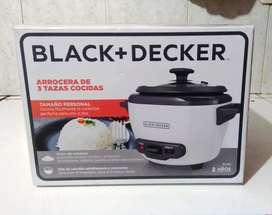 Olla Arrocera Black+Decker 3 Tazas Blanca RC503 NUEVA SELLADA DE FÁBRICA Black & Decker Black and Decker