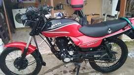 Vendo moto impecable. Casi sin uso. Solo en las calles de burzaco.