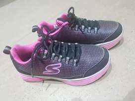 Zapatillas Skechers Luminators talla 2