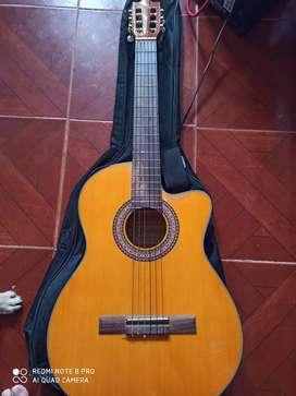 Guitarra sevillana electroacústica
