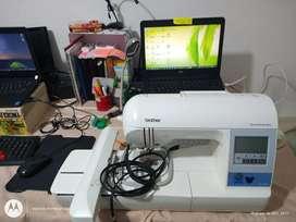Vendo bordadora Brother PE 780D puerto USB