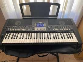 Teclado electrónico Yamaha PSR-S550